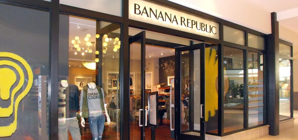 Front of Banana Republic Store